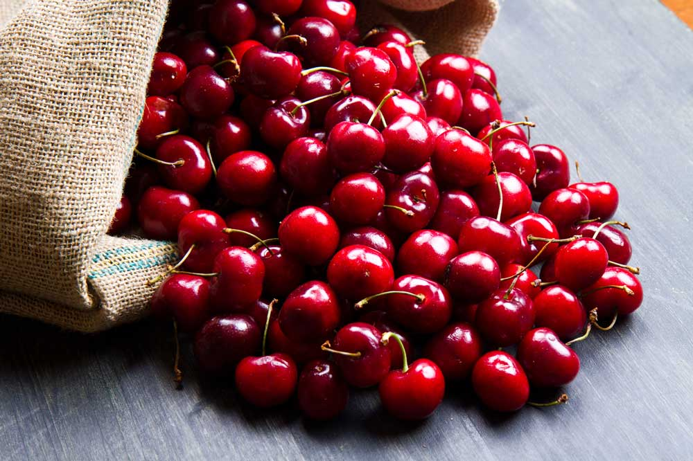 Best Foods for Pain Relief (Video)